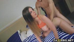 Vídeo porno comendo xana da namorada ninfetinha