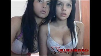 Transa hot com tesudas peladas na frente da webcam