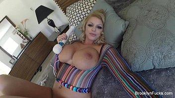 Vidios porno deliciosa ficando pelada na sala