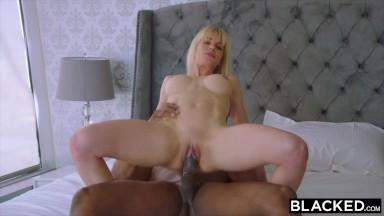 Gpguia comendo uma acompanhante de luxo no sexo