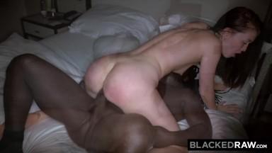 Gretchen porno fodendo com o negro tatuado