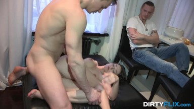 Dani daniels porno online com a esposa do amigo