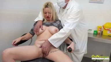 www.xvideos.com medico fodendo com a sua paciente safada