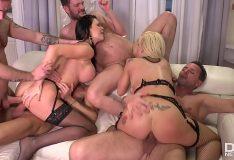 Pornô grátis xnxx com putas na orgia em festa com machos