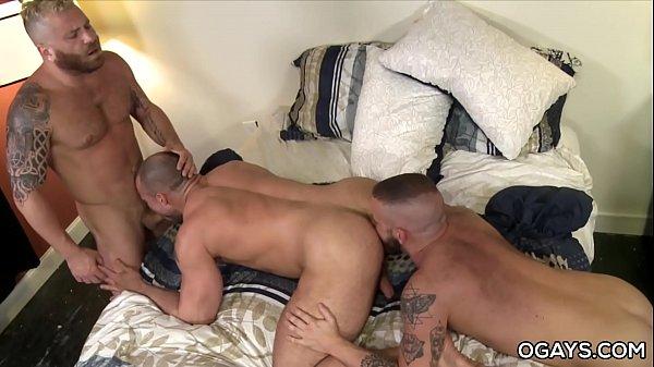 Sexo na festinha gay com cu e muita rola