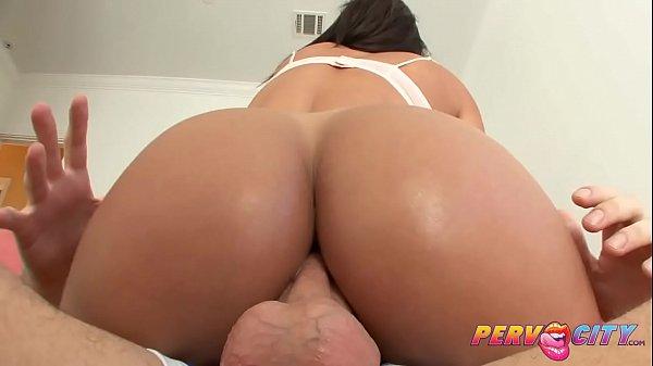 Lana Rhoades fazendo sexo anal e dando o cu
