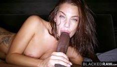 Strapon sexo oral bem quente e delicioso