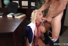 Porno com novinha carente fazendo sexo ao vivo